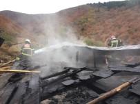 Yaşlı Çiftin Yaşadığı Evde Yangın Çıktı, Suluova İtfaiyesi Uyardı