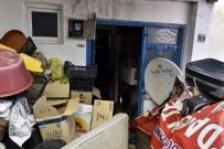 Gümüşhane'de İki Ayrı Çöp Evden 3 Kamyon Malzeme Boşaltıldı