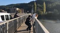 Amasya'da Köprüde İntihar Girişimi