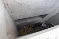 Drenaj Kanalına Düşen 2 Keçiyi İtfaiye Ekipleri Kurtardı