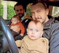 ALİ ATAY - Ali Atay ve Erkan Kolçak Köstendil'in oğullarıyla pozu sosyal medyayı salladı! Yok böyle benzerlik