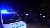 Adana'da Otomobille Kaçmaya Çalışan İki Şüpheli Yakalandı