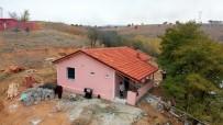 Isparta'da Zor Şartlarda Yaşayan 7 Kişilik Aile Yeni Evleri İçin Gün Sayıyor