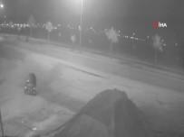 Motosikletle Gezdirdikleri Genci Bıçaklayıp Gasp Ettiler
