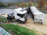 Tır Yan Yattı, İzmir-Ankara Karayolu Trafiğe Kapandı