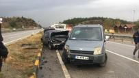 Kastamonu'da Kamyonet İle Otomobil Çarpıştı Açıklaması 2 Yaralı