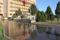 Su Borusu Patladı, PTT Başmüdürlüğü Önü Göle Döndü