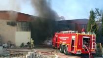 GÜNCELLEME - Uşak'taki Fabrika Yangını Kontrol Altına Alındı
