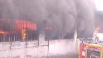 Uşak'ta Tekstil Fabrikası Alevlere Teslim Oldu