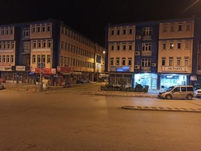 Şuhut'ta Kisitlamanın İlk Günü Cadde Ve Sokaklar Bomboş Kaldı