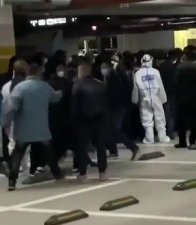Çin'in Pudong şehrinde koronadan sonra SARS paniği