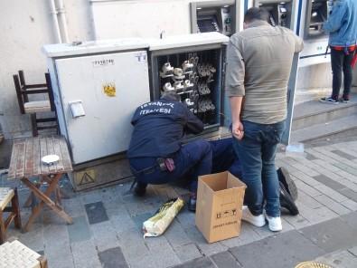 Elektrik Panosuna Sıkışan Kediyi İtfaiye Kurtardı