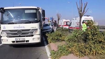 Kayseri'de Trafik Kazası Açıklaması 3 Yaralı