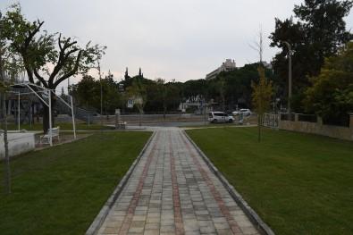 Kuşadası Yeni Parkları İle Güzelleşiyor