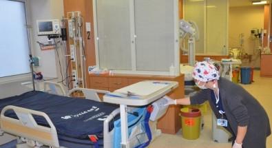 Nazilli Devlet Hastanesi'ne Yatalak Hastalar İçin 'Şişme Yatak' Takviyesi Yapıldı