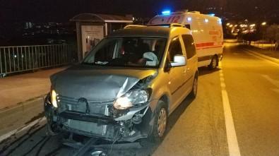 Samsun'da Alkollü Sürücü Kırmızı Işıkta Bekleyen Araca Çarptı Açıklaması 1 Yaralı