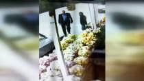 Şanlıurfa'da Otomobilden Cep Telefonu Hırsızlığı Güvenlik Kamerasına Yansıdı