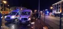 Yalova'da Ambulans Otomobil İle Çarpıştı Açıklaması 2 Yaralı