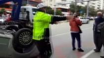 Adana'da Ağaca Çarpan Otomobil Devrildi