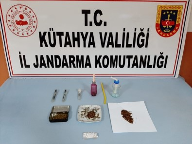 Kütahya'da Uyuşturucu Operasyonu Açıklaması 2 Gözaltı