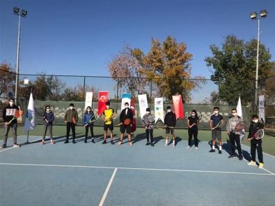 Malatyalı Tenisçiler Başarılı Döndü
