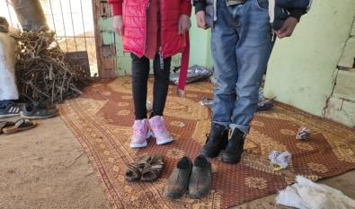 Silvan'da Yardıma Muhtaç Çocuklara Kışlık Giysi Dağıtıldı