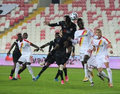 Süper Lig Açıklaması Sivasspor Açıklaması 0 - Göztepe Açıklaması 0 (İlk Yarı)