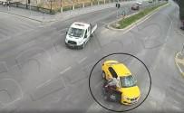 Taksicinin Gayreti Yaşlı Adamla Kazayı Engelleyemedi
