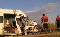 Şanlıurfa'da Trafik Kazası Açıklaması 1 Ölü, 8 Yaralı