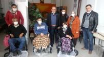 Suluovalı İş Adamından 4 Engelliye Akülü Araba