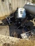 Tanker Köprüden Hafif Ticari Aracın Üzerine Düştü
