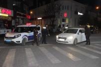 Balıkesir'de Kısıtlama Nedeniyle Cadde Ve Sokaklar Boş Kaldı