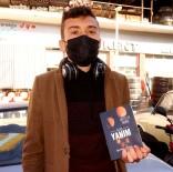 MS Hastası Genç Beşinci Kitabını Çıkardı