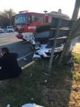 Araçla Çarpışan Otomobil Refüje Çıktı, Kaza Ucuz Atlatıldı