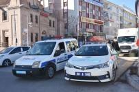 Polis Ekipleri Megafonla Hem Uyarıyor, Hem Bilgilendiriyor