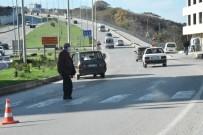 Sinop'ta Otomobil Yayaya Çarptı Açıklaması 1 Yaralı