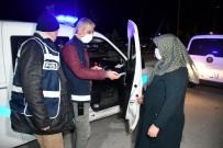 Kısıtlamada Polis Tarafından Evine Bırakılan Kadın Açıklaması 'Allah Devletimize, Polisimize Ziyan Vermesin'