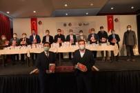 Sındırgı'da İmkanı Olmayan 150 Öğrenciye Tablet