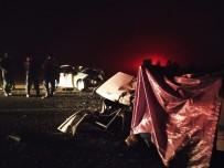 Kastamonu'da Yoğun Sis Nedeniyle İki Otomobil Çarpıştı Açıklaması 1 Ölü