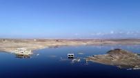 Kuraklık 26 Yıl Sonra Baraj Altındaki Köy Gün Yüzüne Çıktı