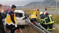İzmir-İstanbul Otoyolu'nda Feci Kaza Açıklaması 3 Ağır Yaralı