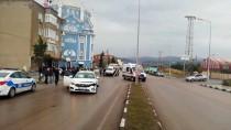 Manisa'daki Trafik Kazasında 1 Kişi Ağır Yaralandı