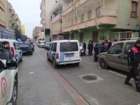 Tartışmaya Müdahale Eden 2 Polis Bıçaklandı