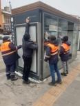 Belediye Dolmuş Duraklarını Temizleniyor
