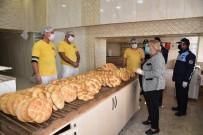 Ceyhan'da Fırın Ve Market Çalışanlarına Maske Dağıtıldı