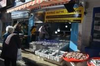 Sinoplu Balıkçıdan Poyraz Ali'ye Destek Açıklaması Bedava Hamsi Dağıttılar