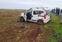 Siverek'te Ticari Araç Takla Attı Açıklaması 2 Yaralı