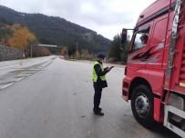 Burdur'da 8 Araç Sürücüsüne 3 Bin 164 TL İdari Para Cezası Uygulandı