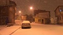 Bayburt'ta Kar Yağışı Kenti Beyaza Bürüdü