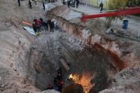Kuyu Açarken Göçük Altında Kalan 1 Kişi Kurtarıldı, Diğerini Kurtarma Çalışması Sürüyor